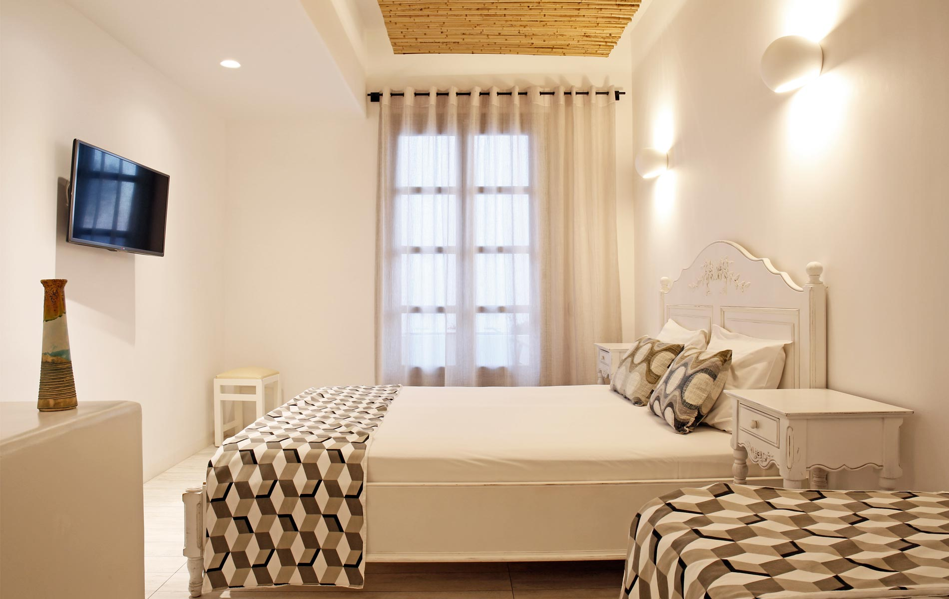 Studios-Thomais-Naxos-Greece-Room-3d1